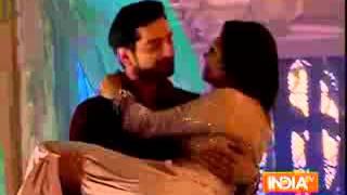 Saas Bahu Aur Suspense  promo   Rana ji carries Gayatri in his arms