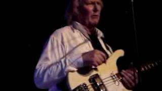 SYN w/Yes man Chris Squire (clips) 2006