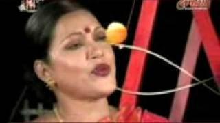 Adhunik Farida Parveen Tomra Bhulei Gechho Mollikadir Naam