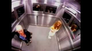 Blague du fantôme dans l'ascenseur - Caméra cachée