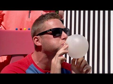 Xxx Mp4 Bubble Gum Blowing Battle Dude Perfect 3gp Sex