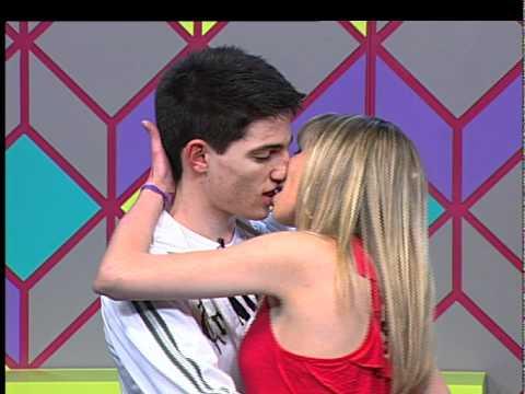 PEGADA Melhor beijo do mês Raquel e Vinícius