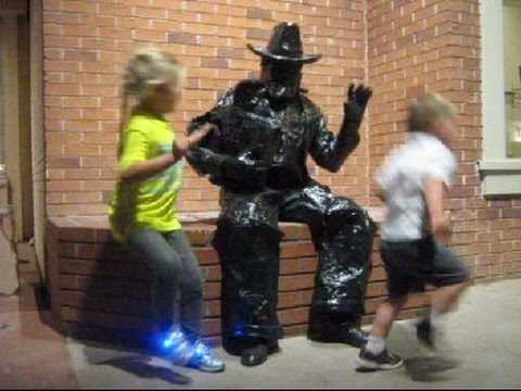 Statue Surprise!    NOVEMBER 17 2016 ART WALK