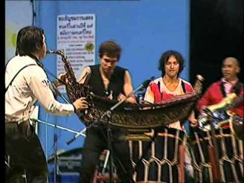 Boy Thai band and Japanese musicians AUN & Hide