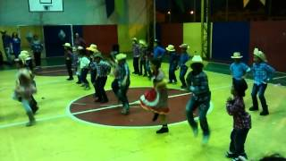 Bate o pé coreografia para crianças