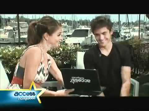 Zac Efron reacts to Miley Cyrus calling him Hot.flv