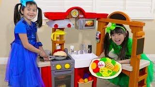 Jannie & Emma Pretend Play w/ Kitchen Restaurant Cooking Kids Toys