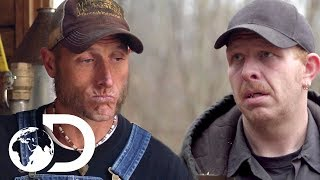3 Moonshiners Nearly Caught! | Moonshiners