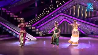 Vrushali, Vaishnavi, Kruti and Shalini performed Classical Style