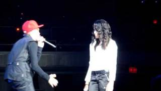 and quot overboard and quot performed live by justin bieber and surprise guest jasmine villegas in honolulu hawaii