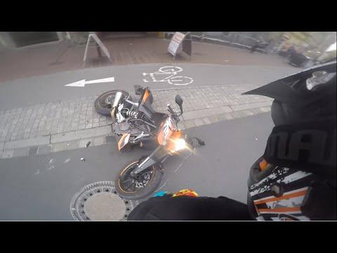 KTM Duke 125 Wheelie Crash   Bike Infected