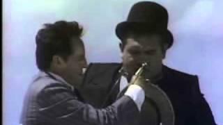 Chespirito 1981 - El gordo y el flaco - La playa (HQ)