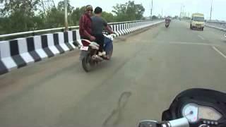 Gang of bhilai showing stunt on Y shape bridge Bhilai