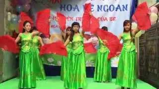 """Bài múa """" Lung linh mai vàng """" - mầm non Hoa Bé Ngoan - Định Công - Hoàng Mai."""