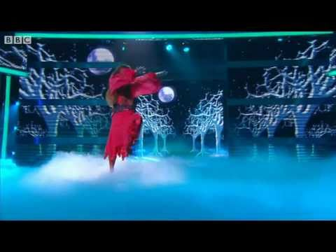 Noel Fielding does Wuthering Heights Let s Dance for Comic Relief 2011 Show 2 BBC One