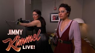 Abbi Jacobson & Ilana Glazer Peek into Chris Hemsworth