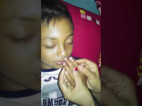 Video bocah tidur.