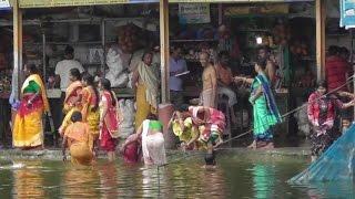 Holy Bath in Dudh Pukur Tarakeswer West Bengal .দুধ পুকুরে পবিত্র স্নান