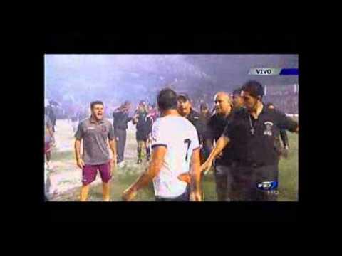 14 ABR 2013 Pleito entre Alejandro Alpizar y árbitro Wálter Quesada Allan.Videos