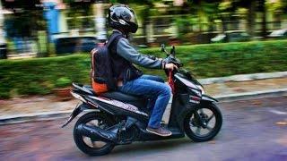 cara mengendarai motor matic : cara rem yang baik dan benar