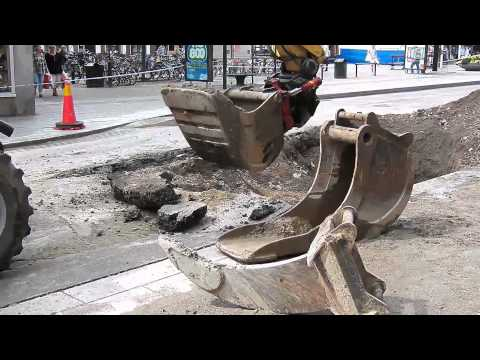 Digging up a broken water pipe in Linköping Sweden