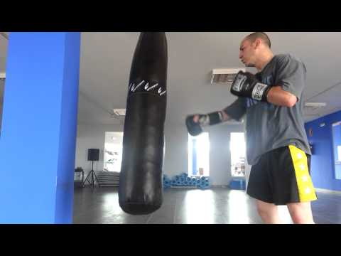 Heavy Bag Training Kick Boxing Entrenamiento saco pesado