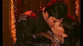 Qubool Hai : Zoya, Asad romance while dancing