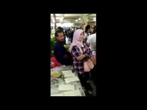 Gadis ahok (ela nofitasari) di interogasi oleh seorg pedagang