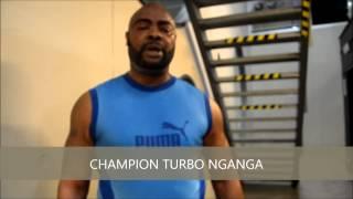 CHAMPION TURBO NGANGA S'ENTRAINE POUR SON COMBAT DE BOXE DU 30/11/2013