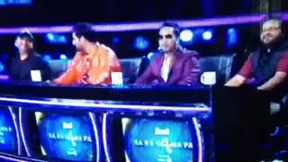 Biswajeeta deb performing aao na gale lagao na on the set of Zee tv saregamapa 2016