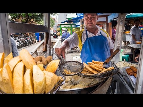 Indonesian Street Food Tour of Glodok Chinatown in Jakarta DELICIOUS Indonesia Food