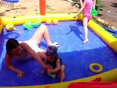 Primeiro banho de piscina Felipão cont