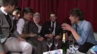 One Direction interview after the brits + Niall and Harry drunk ! (and the rest of the boys)