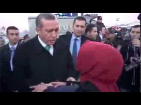 Başbakan ın Önünde Taciz Edilen Kadın