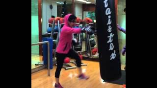 Syahrini Latihan Boxing