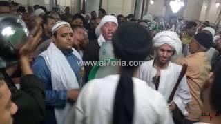 الصوفية تحتفل بصباحية السيدة زينب  داخل المسجد بالطبل والزمر