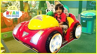 CHUCK E CHEESE FAMILY FUN Indoor games and Activities for Kids! Compilation Video Children Play Area