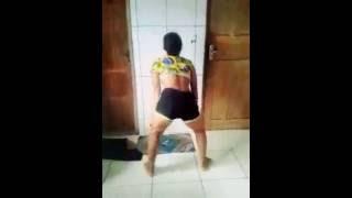 Menina  dançando funk/ barbara oliveira