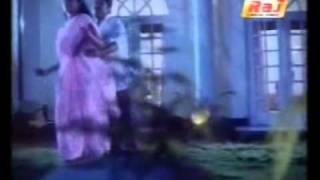 YouTube - Sexy song of serial actress jeeva with sivakumar.flv