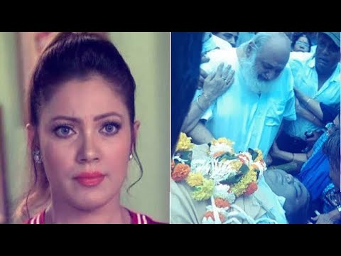 Xxx Mp4 Taarak Mehta's Babita Aka Munmun Dutta Blasts Fans Who Clicked Selfies At Dr Hathi's Funeral 3gp Sex