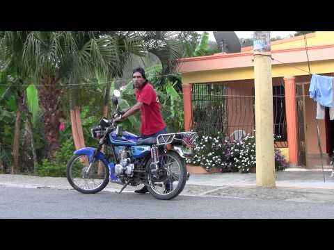 Borracho Dominicano intenta conducir motor
