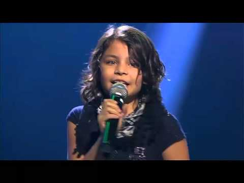 9-Year Old GIRL Sings LIKE Taylor Swift - Shake It Off - Adorable