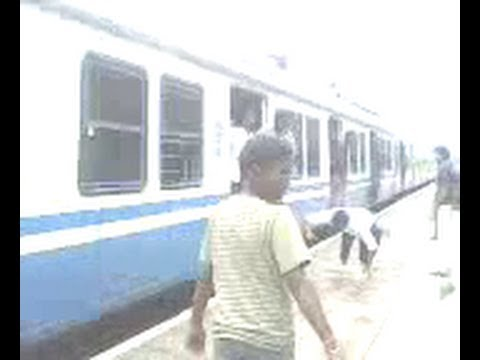 Live Train Accident : Boy Falling from running train,Hyderabad,India.