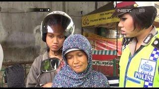 Ditilang Karena Ibunya Tidak Pakai Helm, Anak ini Kesal Kepada Petugas - 86