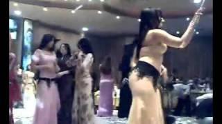 قناة غنوة فيديو دلوعة - الحنطور رقص روووعة مراقص دمشق.flv