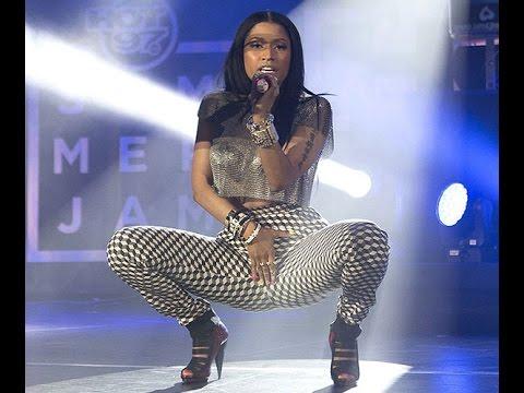 Nicki Minaj SEXIEST moments Part 1