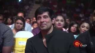 "Siva Karthikeyan talks about Chiyaan Vikram and his Dedication in ""I"""