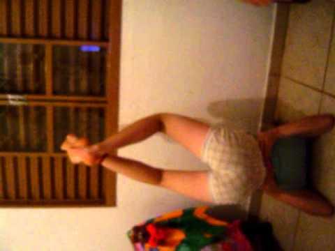 Jheny Pimentinha dançando quadradinho de 8.