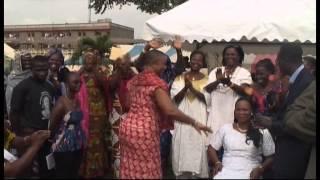 Côte d'Ivoire: les femmes investissent le métier de ferrailleur, la présidente installée