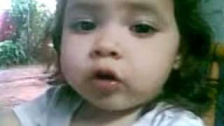 Ana Valentina diciendo, hola papá.3gp